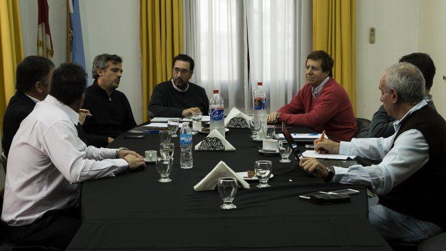 Durante la reunión se avanzó en el objetivo de hacer un frente común por el desarrollo del tráfico fluvial de la hidrovía y el desarrollo de los puertos que están sobre ella